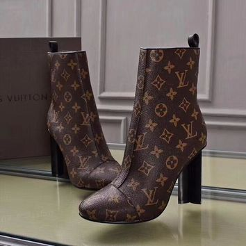 """""""LV"""" new four-leaf clover paint and ankle boots"""
