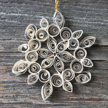 vintage white snowflake quilled Christmas ornament // philip stahl