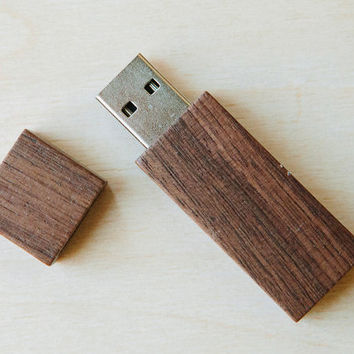 8gb or 16gb Brown wood USB 2.0 flash drive