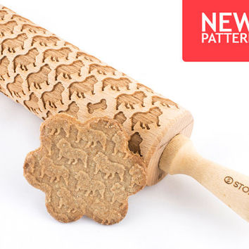 English Bulldog - Embossed, engraved rolling pin for cookies