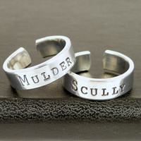 Mulder and Scully - Best Friends - X-Files - Friendship Ring Set