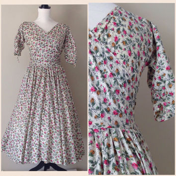 50's Day Dress // Jerry Gilden // Cotton Floral // Criss Cross Bodice // Full Skirt // Vintage Dress //Women's Clothing // 1950's Dress