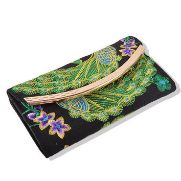 Yunnan National Style Embroidery Woman's Evening Banquet Bag Handbag Chinese Style Flower Banquet Bag    peacock random