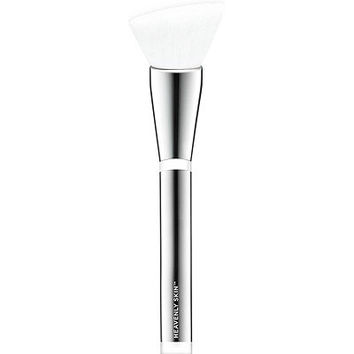 Heavenly Skin Skin-Smoothing Complexion Brush #704