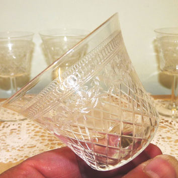 Late Victorian Pall Mall Lady Hamilton Pattern Sherry, Aperitif Glasses x 4, Lattice and Trillium Patterns, Clear, Etched Glass, Engraved