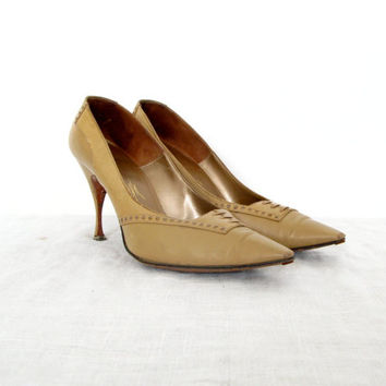 50s tan heels - vintage mad men style camel beige brown leather oxford kitten stiletto pinup preppy retro pumps lace up detail size 6 7