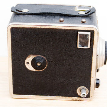Vintage Gevabox  6x9 120 Roll film Camera. Made from c.1951 for Gevaert by Hermann Wolf GmbH, Wuppertal, Germany