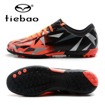 TIEBAO 2018 New Football Shoes Popular Cutting Style TF Turf Soles Cleats Boots Sneakers Outdoor Soccer Shoes EU Size 38-45