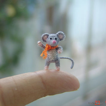 miniature art grey mouse - micro amigurumi crochet animal - dollhouse decoration - 0.7 inch