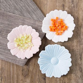 Mini Ceramic Daisy Flower Plate Fast Food Tray Relish Plate Sauce Dish Dessert Plate Christmas Gift Sushi Dishes 1set/4pcs