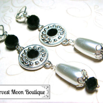 White Pearl Wedding Jewelry Black Crystal Wedding Earrings Bridal Earrings Handfasting Jewelry Silver Wedding Jewelry Tudor Renaissance