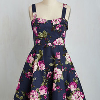 Vintage Inspired Mid-length Sleeveless Fit & Flare Pull Up a Cherry Dress in Navy Bouquet