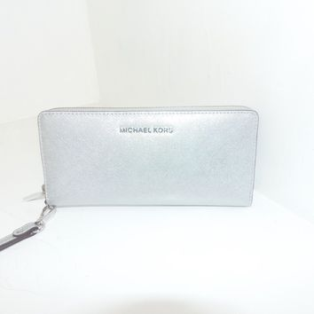 NWT New Michael Kors Jet Set Travel Silver Travel Continental Leather Wallet