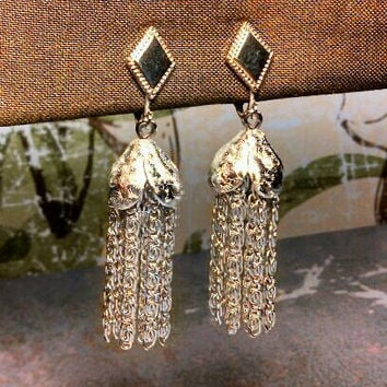 Vintage Sarah Coventry tassle clip earrings silver