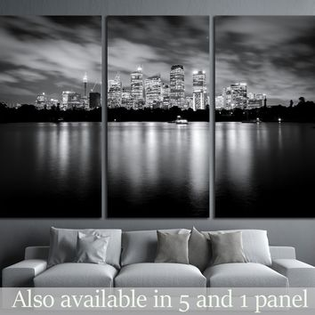 Black and white photo of skyscrapers at night, Sydney Australia №1756