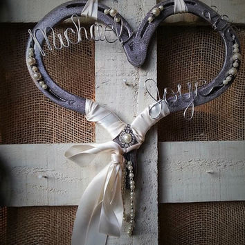 Wedding Horseshoe, Horse Gift, Horseshoe Decor, Decorated Horseshoe, Horse Gift, Country Wedding, Wedding Gift, Equestrian Gift, Heart Decor