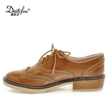 Daitifen PU Leather Retro Oxford Ladies Shoes Casual British Style Flats Brogues Shoes Woman Vintage Lace up Oxfords Women Shoes