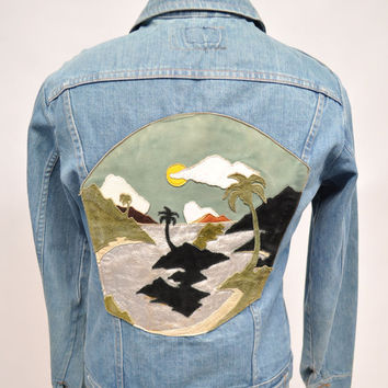 vintage custom denim jacket jean 1970s leather applique scene visual leather wrangler 38 small