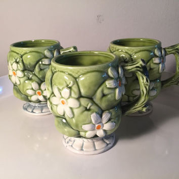 Set of 3 INARCO #E2866 Green Apples and White Daisys floral coffee mugs made in Japan by Inarco