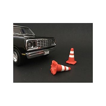 Traffic Cones Set of 4 Accessory For 1:24 Models by American Diorama