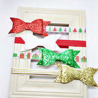 Christmas Bow - Baby Christmas Bow - red, green, white, gold. Holiday Baby Bow, Christmas Baby Bow, Christmas Headband, Baby Photo Prop