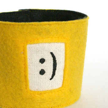 happy face - hand embroidered coffee cup sleeve, cup cozy or koozy, tea cosy, coffee cuff, emoticon face, great graduation gift