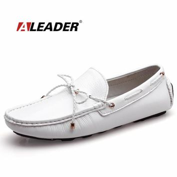 Mens Casual Loafers Shoes New Autumn Men's Patent Leather Driving Shoes Classic Flats Black White Loafers Boat