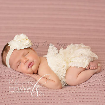 Baby girl Clothes-Newborn girl clothes-Ivory Lace Petti Romper SET-Baby Girl Outfit-Preemie-Infant-Child-Toddler-Baby Baptism-Wedding-Chic