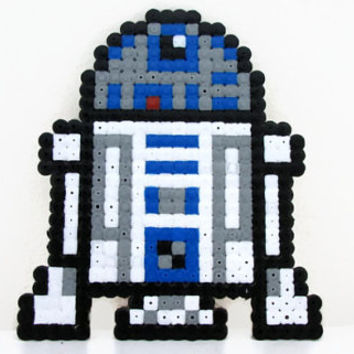 R2D2 fridge Magnet , star wars magnet , hama / perler bead pixel art , geeky gift bead sprite , uk seller