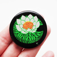 Vintage 4 cm (1.57'') lotus waterlily water flower nature pin brooch badge token clasp pinion tin aluminum cordon medallion pinback button