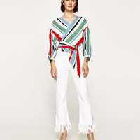 CROSSOVER STRIPED TOP DETAILS