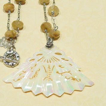 Vintage Mother of Pearl Fan Pendant Quartz beaded Necklace