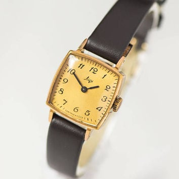 Elegant women wristwatch vintage, square woman's watch Ray, minimalist watch her gift, gold face woman watch, premium leather strap new