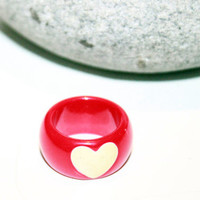 Vintage Retro Red Lucite Ring Band Style Cream Heart 1960s Size 6
