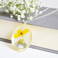 Pressed Flower Jewelry. Resin Flower Necklace. Bridesmaid Gift.Yellow Flower Jewelry. Botanical Resin Necklace
