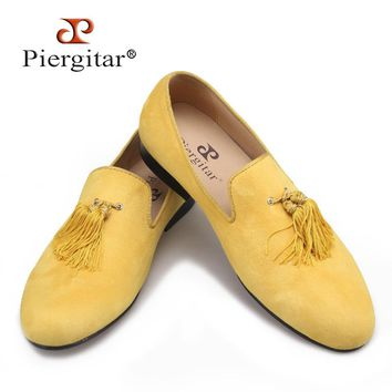 Piergitar new style handmade yellow color men velvet shoes with fashion tassels loafers