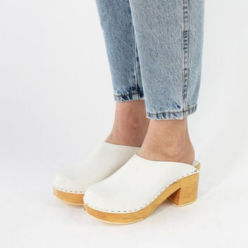 Vintage 70s White Leather Chunky Platform Heel Clogs | 7