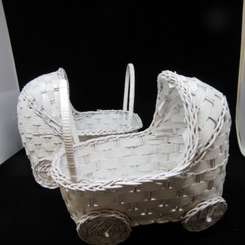 Vintage Bassinets-White Wicker Bassinets- Small Bassinets-Baby Shower Decor-Table Decor-Baby Room Decor-Party Decor-Gift Basket-Storage