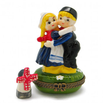 Jewelry Boxes Hugging Dutch Couple