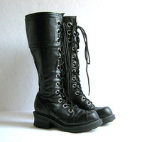 Vintage tall goth boots // lace up combat boots // size 6