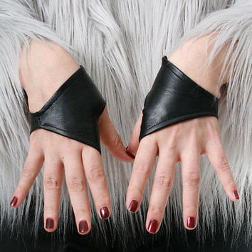 Genuine Leather Lambskin Punk Half Cropped Fingerless Mini Gloves XXS (16.5cm)