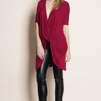 Wandering Twist Front Faux Wrap Top (red)