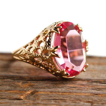 Vintage Filigree Pink Glass Ring - Sz. 7.5 Gold Tone Art Deco Style Pink Oval Cocktail Costume Jewelry / Princess