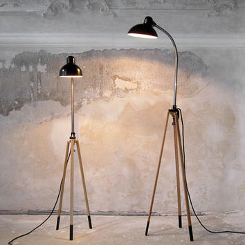 StaTIV 90 // TripoD lamp stand made from oak for vintage clip lamp