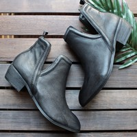 sbicca - silvercity side slit leather chelsea boots in black