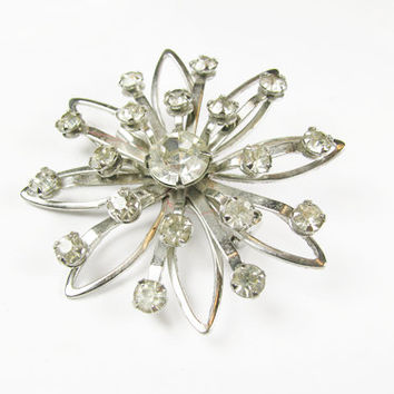 Vintage Flower Rhinestone Brooch, Bridal / Vintage Wedding Rhinestone Flower Brooch - Broche Strass.