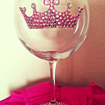 Princess pink bling wine glass 20 oz red wine glass, queen bling wine glass, girly wine glasses, tiara pink wine glass