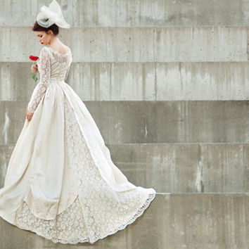Vintage 1950s illusion lace wedding dress, long sleeves, train, ivory white S Kyleigh