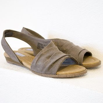 Nora Gold Canvas Sandal