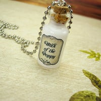 Milk of the Poppy GAME OF THRONES 2ml Glass Vial Necklace - Glass Cork Bottle Pendant - Westeros Song Ice Fire Poison Charm